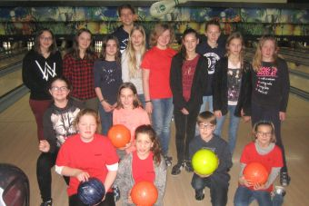 Messdiener gingen zum Bowling
